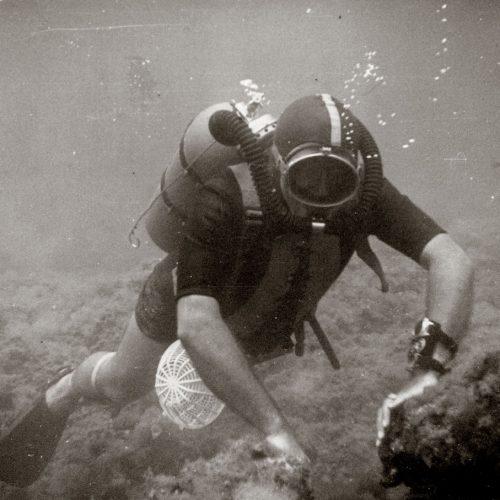 Jacques-Yves Cousteau trug in seinem Unterwasserfilm »Le Monde du Silence«(Gewinner des Cannes Film Festivals im Jahr 1956) eine Fifty Fathoms von Blancpain.