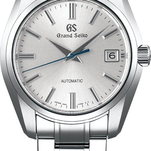 Die SBGR315 von Grand Seiko besitzt ein helles Zifferblatt und einen gebläuten Sekundenzeiger.