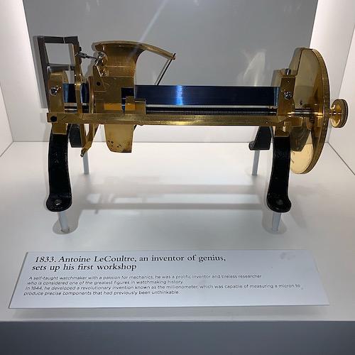 Das Millionometer von Antoine LeCoultre misst auf den Tausendstel Millimeter genau.