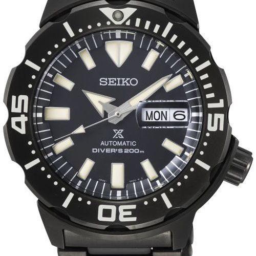 Die Prospex Monster SRPD29K1 von Seiko mit schwarzem Blatt und Stahlband mit Titankarbidauflage.