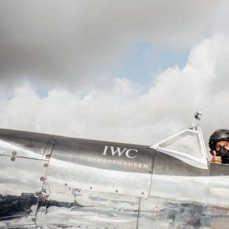 Die Silver Spitfire bricht in Goodwood zur Weltumrundung auf.
