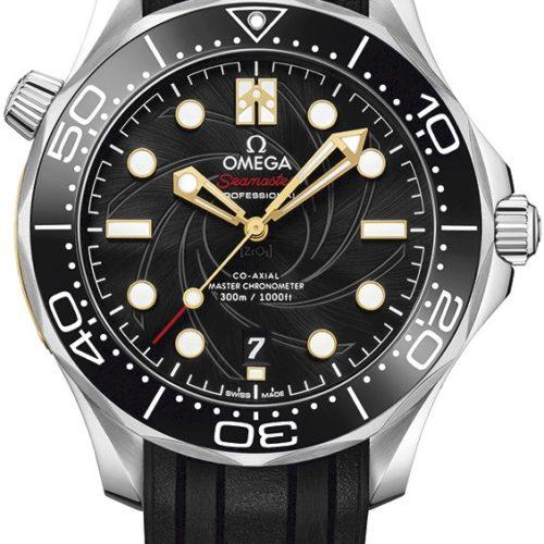 Das Zifferblatt der Seamaster Diver James Bond von Omega besitzt eine schwarze PVD-Beschichtung.
