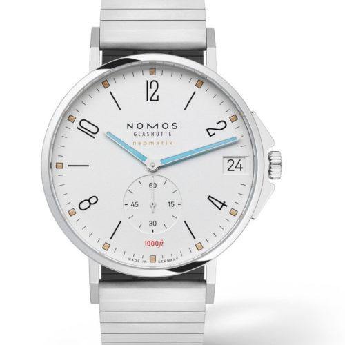 Nomos hat mit der Tangente Sport eine Uhr im Programm, die bis 30 Bar wasserdicht ist.
