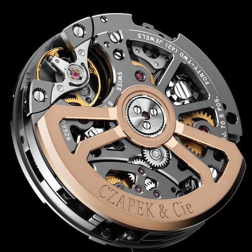 Das Kaliber des Schaltradchronographen stammt vom Werkehersteller Vaucher.