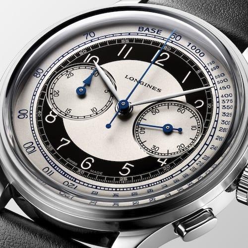 Die Zeiger des Chronographen sind aus gebläutem Stahl.